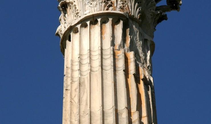 Græsk søjle